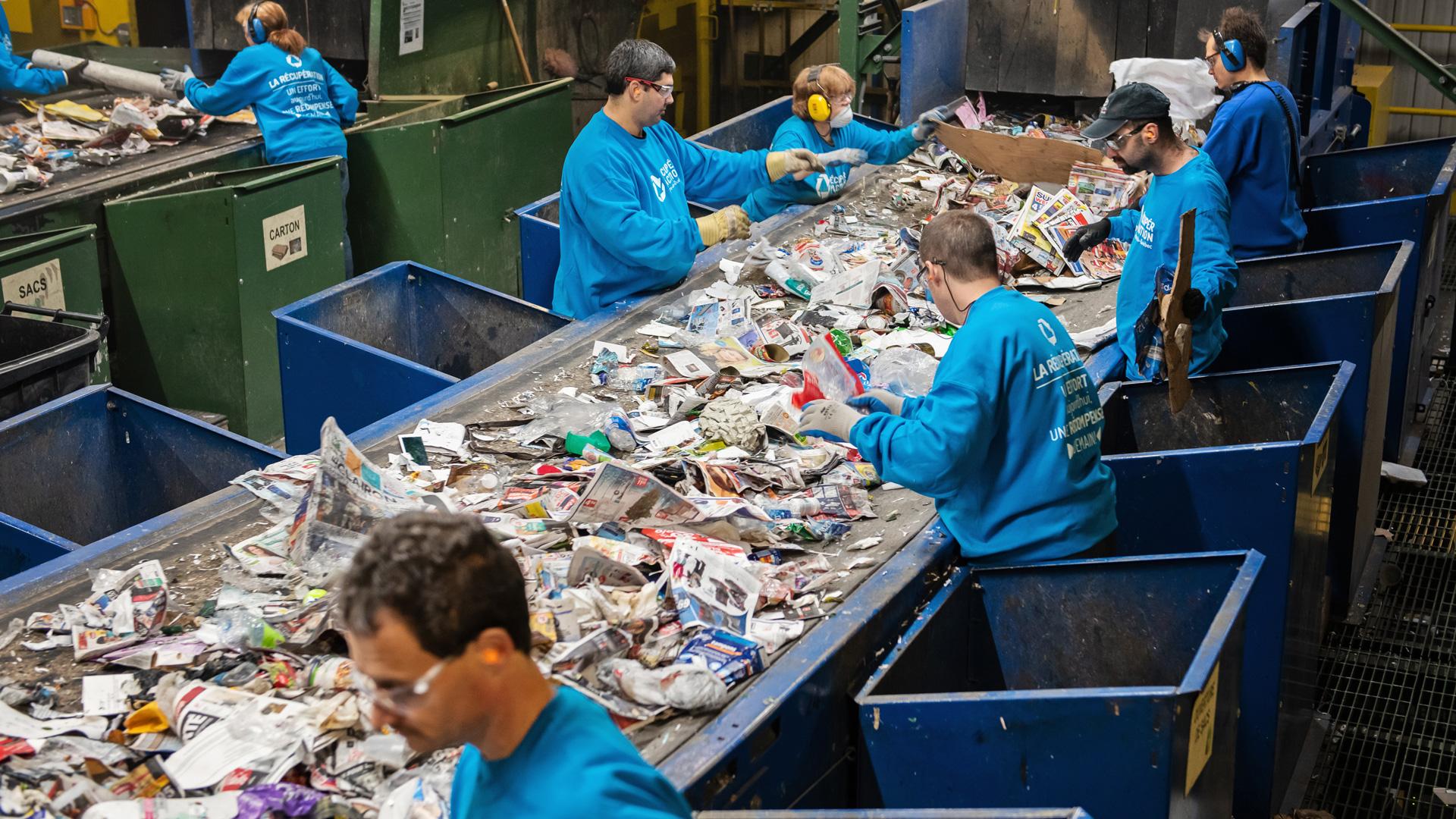 La nouvelle table de pré-tri des matières recyclables de Récupéraction Centre-du-Quebec